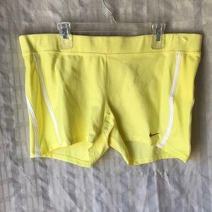 Nike Dri Fit fitness running shorts Sz L